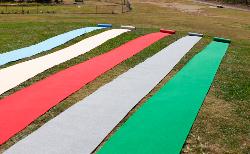 どこにでも敷ける!DIYに最適なパンチカーペット