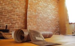 和室をレンガの壁紙で、おもいっきりDIY